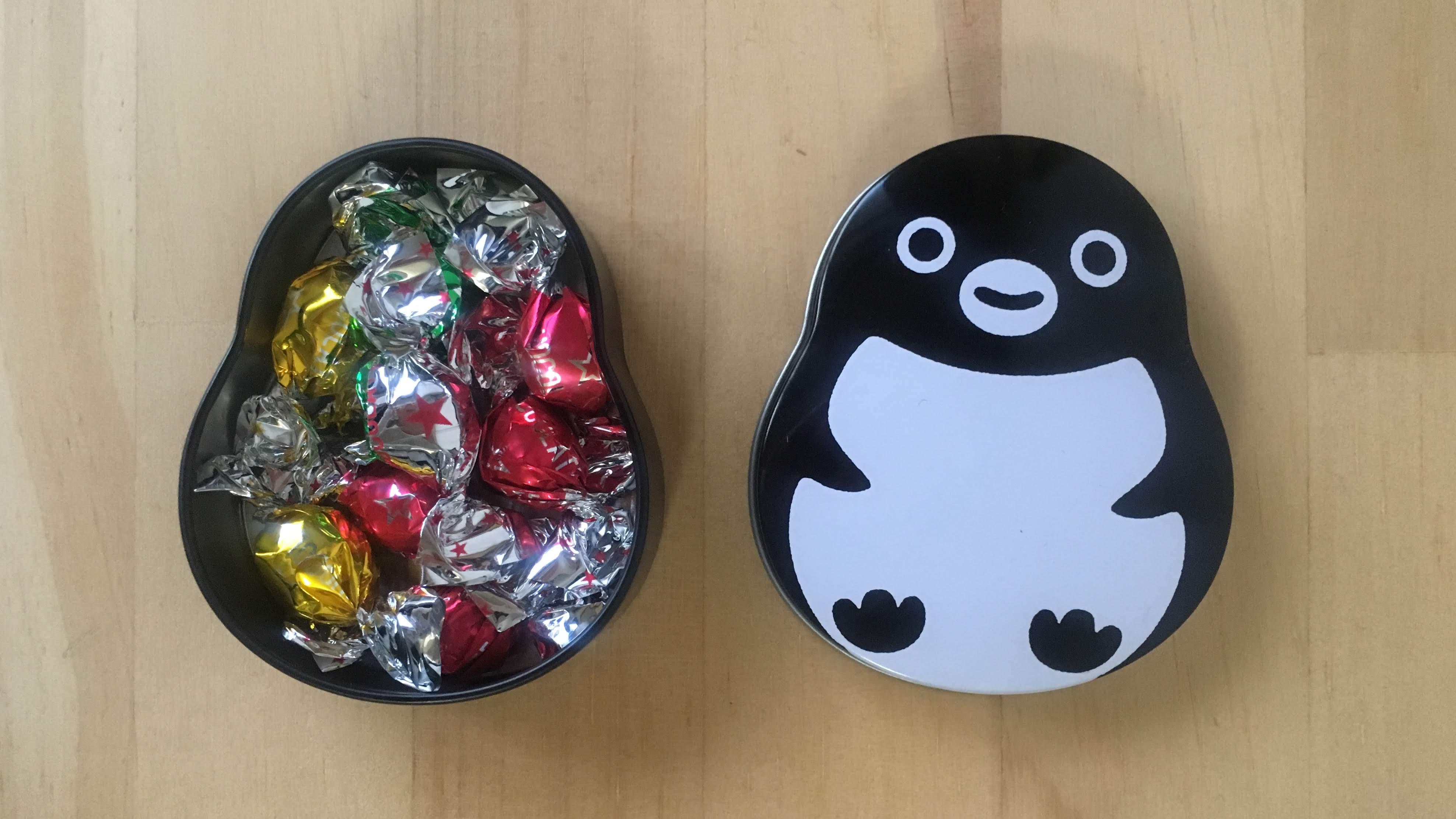 スイカペンギンの缶入りチョコレート