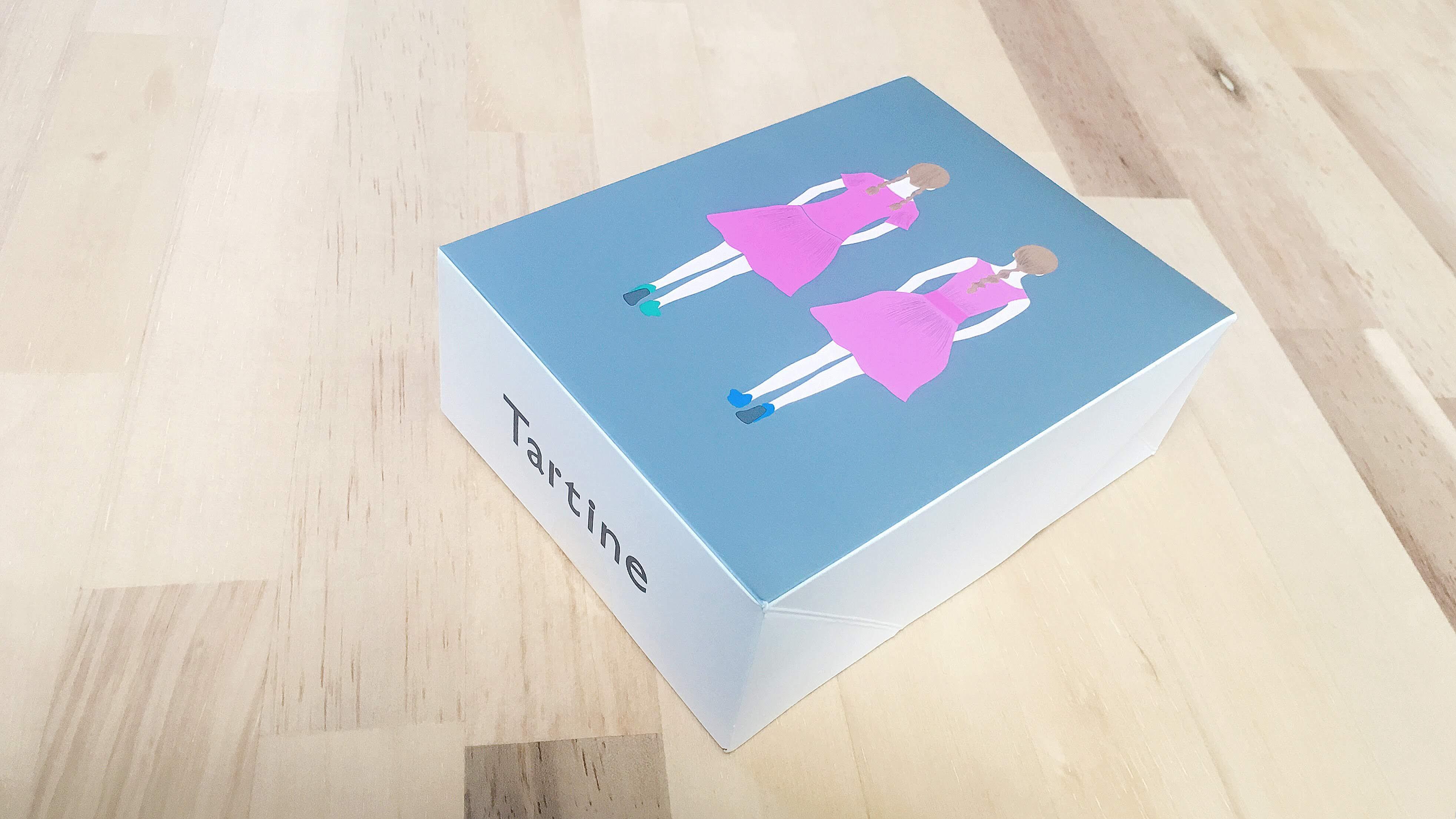 タルティン(Tartine)のストロベリーアーモンドタルトのボックス