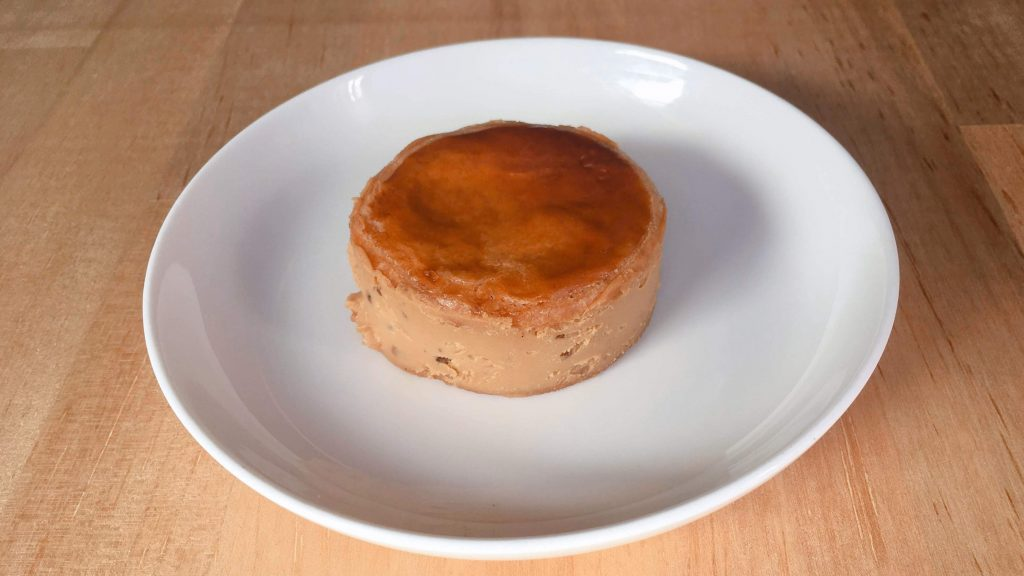 キャラメルクリームをガレットでサンドしたメルズサンドのソルティナッツ味